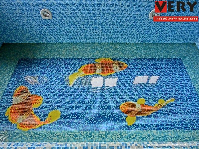 Частный бассейн. Мозаичное панно