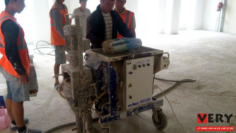 Устройство наливного пола под фальшполы Плитонит Универсал на Сбербанке в Самаре по заказу СКМ Групп Пенза