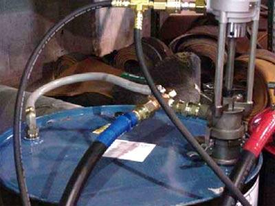 Рециркуляционная схема перемешивания содержимого бочек полимочевины
